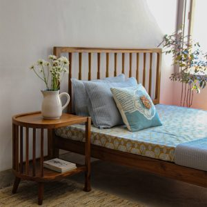 Spindle Bed (Natural)